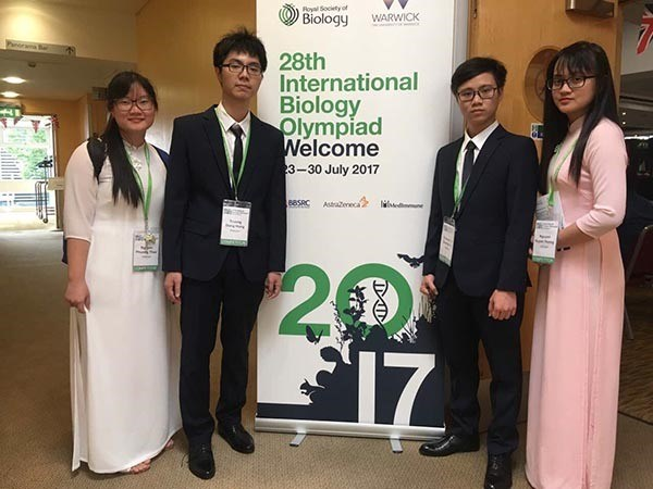 VN win gold, two silvers at Biology Olympiad hinh anh 1