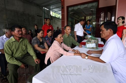 Locals in Dien Bien's border commune receive free health care hinh anh 1