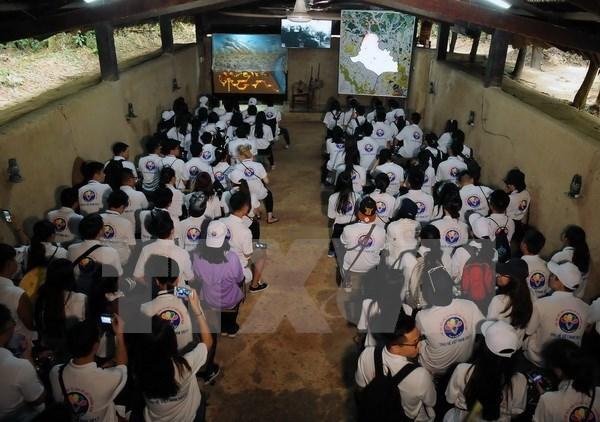 Summer camp brings young expats close to homeland hinh anh 1