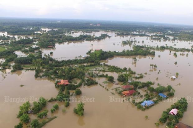 Tropical storm causes serious flooding in Thailand hinh anh 1