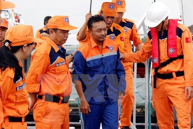 Malaysian fisherman sent home hinh anh 1