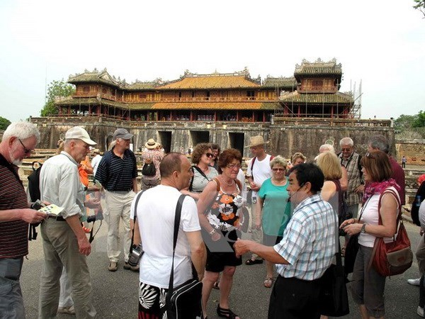 Vietnam welcomes more than 7.2 million foreign visitors in seven months hinh anh 1
