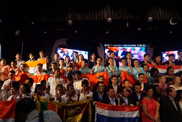 Vietnam wins three golds at Int'l Math Competition hinh anh 1