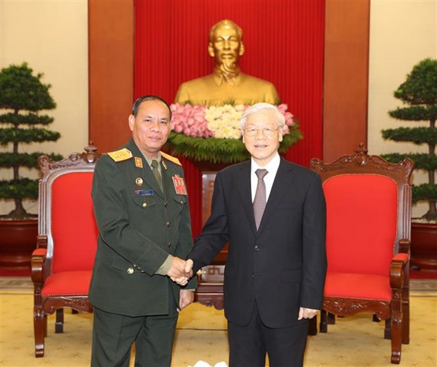 Vietnam values defence ties with Laos: Party chief hinh anh 1