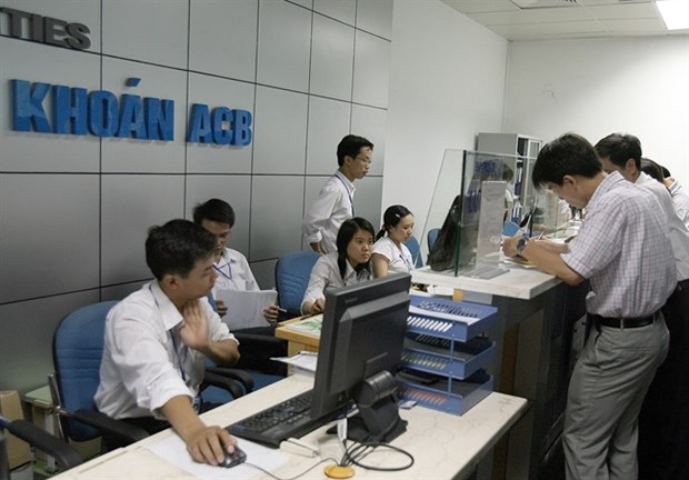 VN-Index sets new nine-year high hinh anh 1