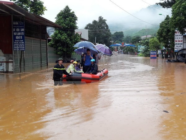 Deputy PM directs flood recovery efforts in Yen Bai hinh anh 1