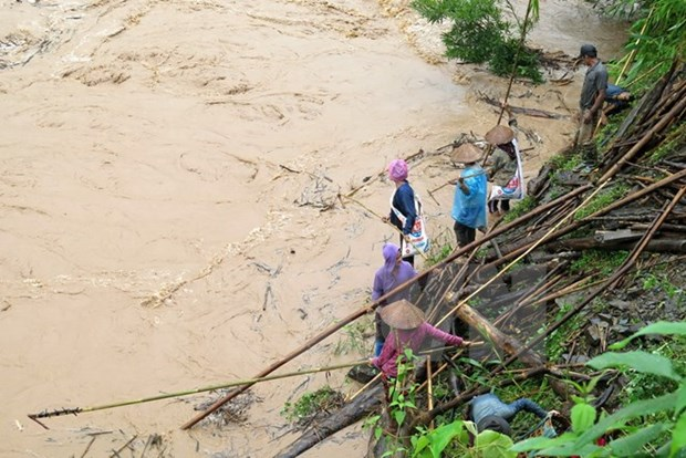 Five dead, 15 missing in floods in northern mountainous localities hinh anh 1