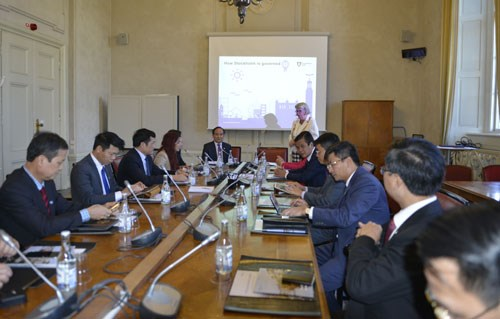 Hanoi enhances ties with Sweden, Norway, Austria hinh anh 1