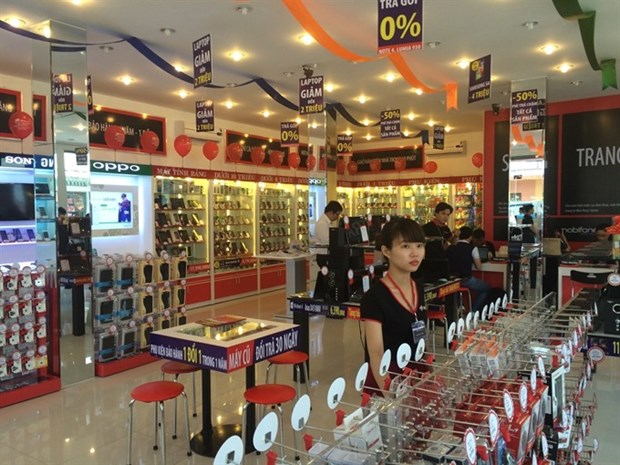 FPT to cut its stake in retail unit to below 50 percent hinh anh 1