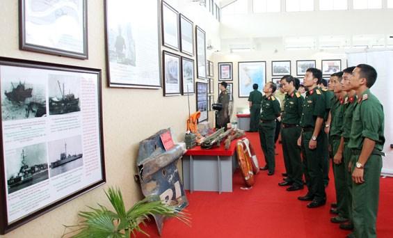 Hoang Sa-Truong Sa exhibition comes to Thai Nguyen hinh anh 1