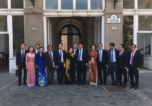 Hanoi eyes ties with Budapest in environment, relic preservation hinh anh 1