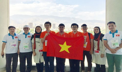 Vietnam bags one gold, two bronzes at Int'l Olympiad in Informatics hinh anh 1