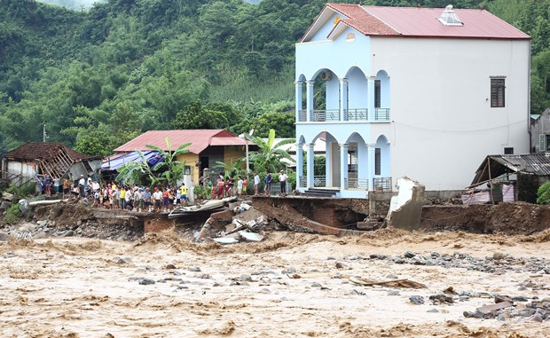 Prompt actions requested to deal with flood aftermath hinh anh 1