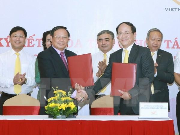 VNAT, VNPost partner to promote Vietnam's tourism hinh anh 1