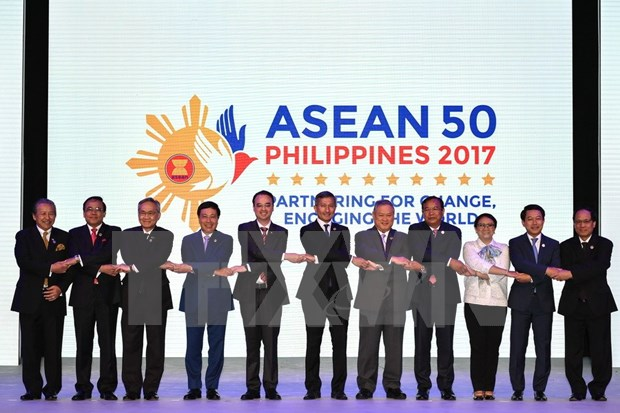Vietnam attends 50th ASEAN Foreign Ministers' Meeting hinh anh 1