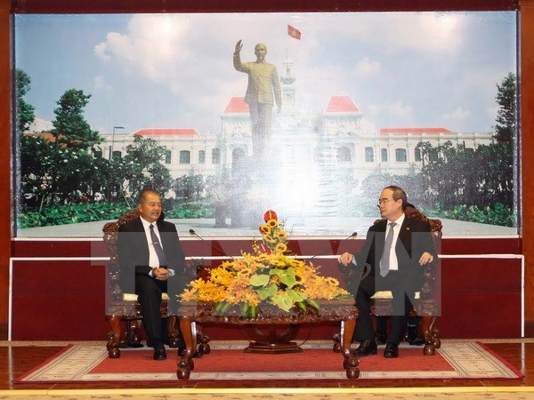 HCM City ready to bolster all-round ties with Lao localities hinh anh 1