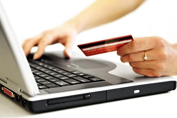 Malaysia tightens management of online sales hinh anh 1