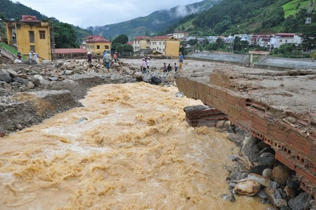 17 dead, 12 missing in floods in Yen Bai, Son La provinces hinh anh 1