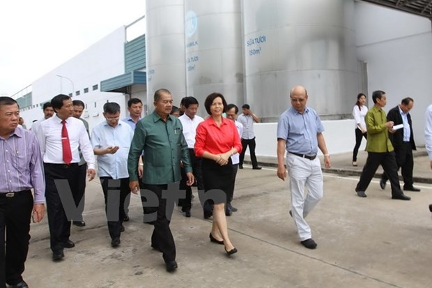 Vinamilk hoped to expand investment in Laos hinh anh 1