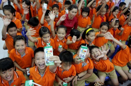 School milk programme improves nutrition of school children hinh anh 1
