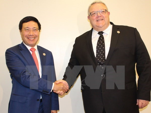 AMM 50: FM Pham Binh Minh in bilateral meetings hinh anh 1