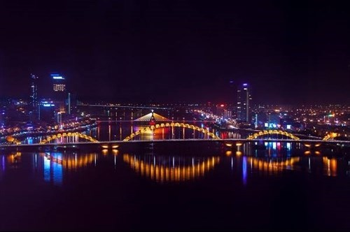 Five cities to be lit up to mark ASEAN's 50th anniversary hinh anh 1