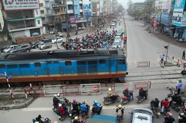Hanoi police propose moving rail tracks out of inner city hinh anh 1