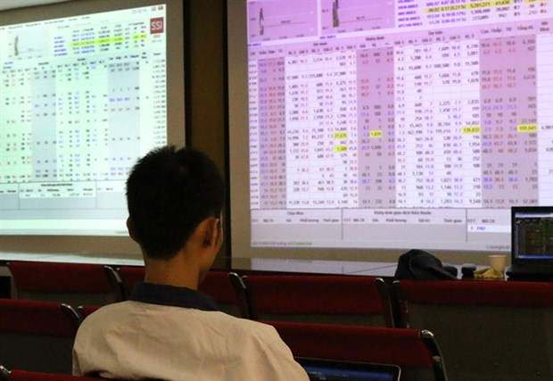 Stocks fall again on poor confidence hinh anh 1
