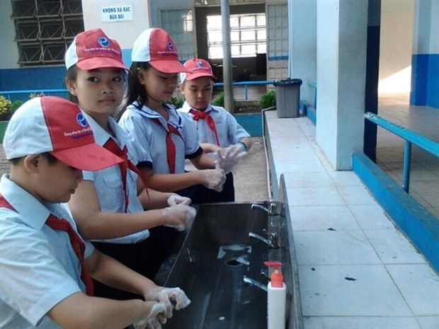 Schools urged to take preventive measures against diseases hinh anh 1