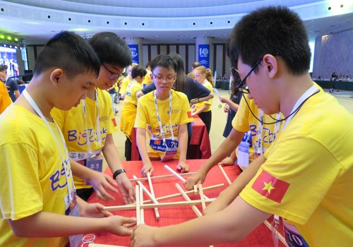 Vietnamese students excel at World Mathematics Olympiad hinh anh 1