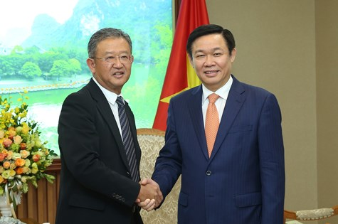 Deputy PM calls on AIA to expand investment in Vietnam hinh anh 1