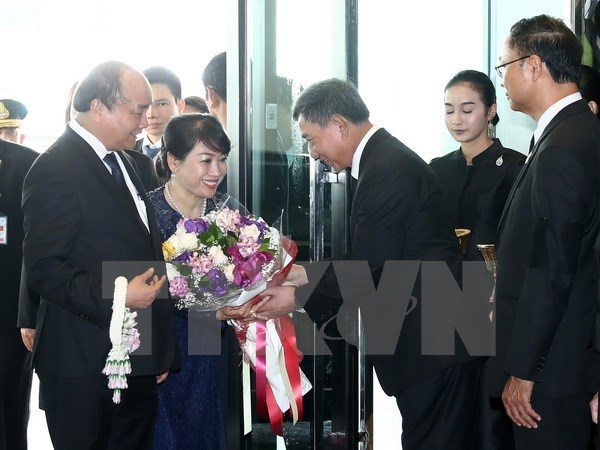 PM Nguyen Xuan Phuc starts official visit to Thailand hinh anh 1
