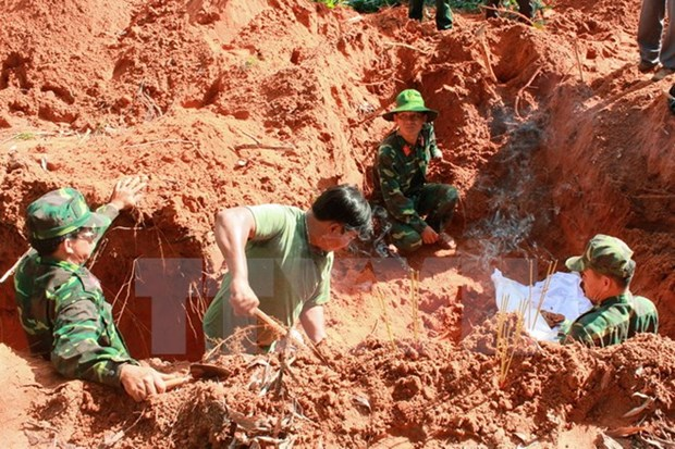 Kon Tum, southern Lao provinces beef up cooperation hinh anh 1