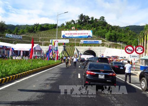 Ca Pass tunnel linking Phu Yen and Khanh Hoa opens to traffic hinh anh 1