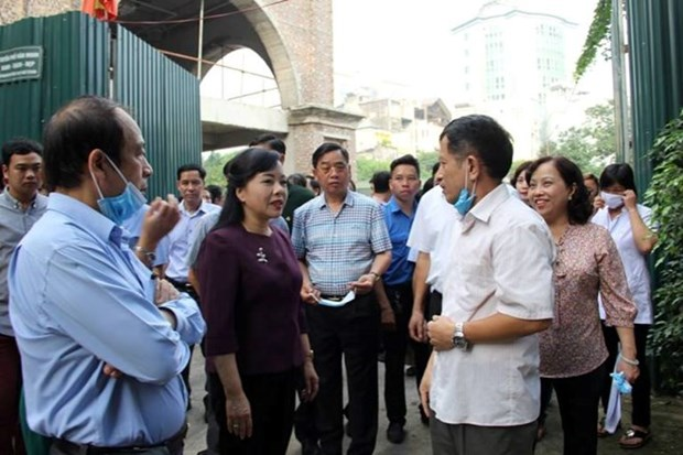 Health Minister urges stronger control of dengue fever hinh anh 1