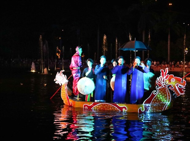 Boat performances help preserve Quan ho singing hinh anh 1