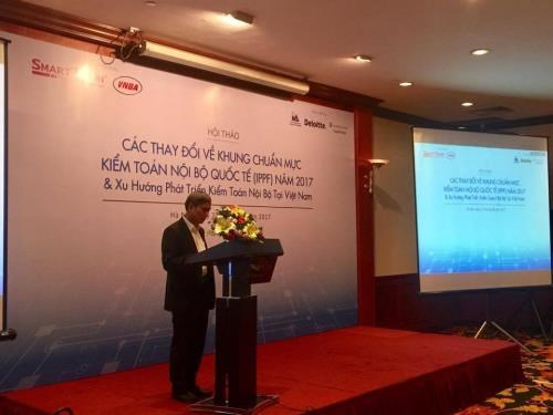 Workshop updates local banks on new internal audit standards hinh anh 1