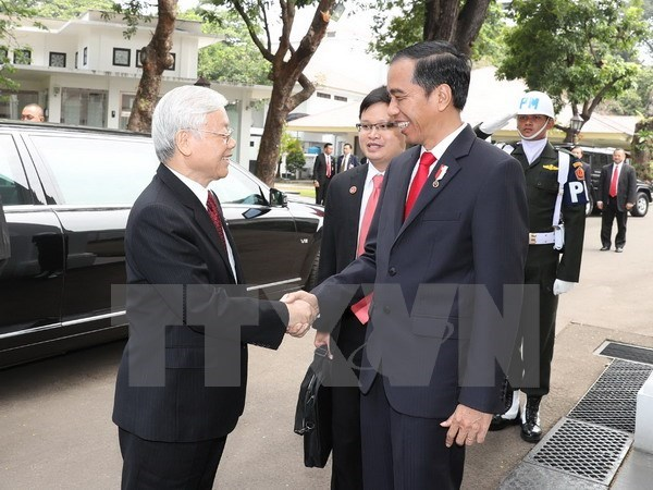 Vietnam, Indonesia sign cooperation agreements hinh anh 1