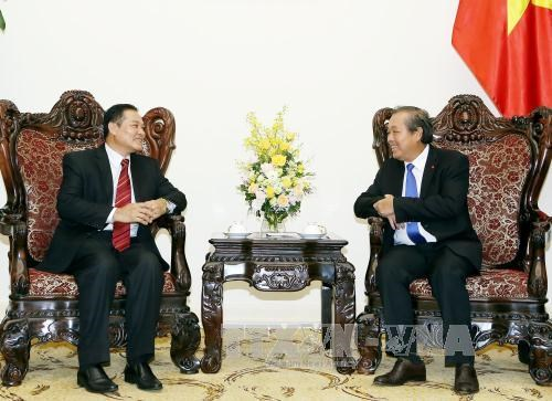 Government supports Vietnam-Laos religious cooperation: Deputy PM hinh anh 1