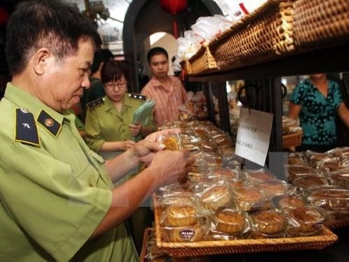 Six inspection teams to check Mid-Autumn Festival products hinh anh 1