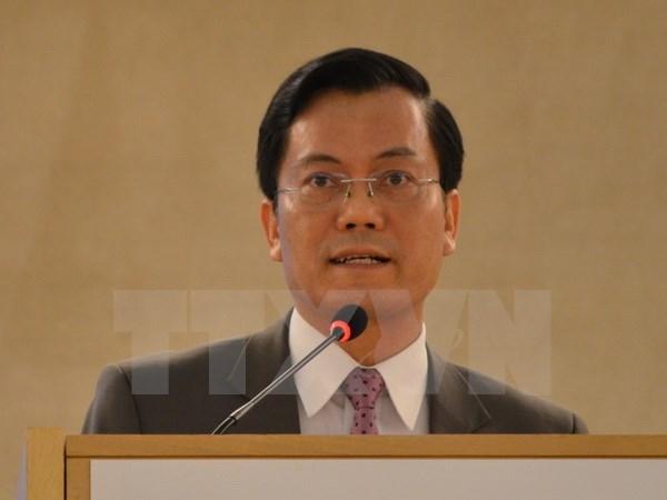 Deputy Foreign Minister Ha Kim Ngoc visits Vatican hinh anh 1