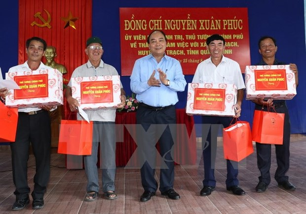 PM hails Quang Binh's commune for new rural development efforts hinh anh 1