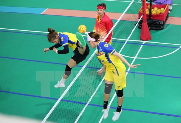 Female Sepak Takraw team adds one silver to Vietnam's medal tally hinh anh 1