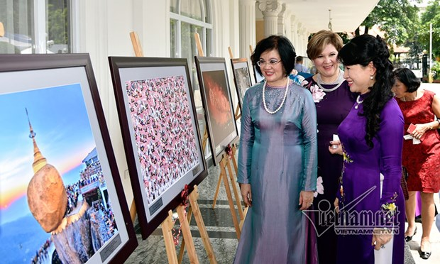 ASEAN Golden Festival opens in Hanoi hinh anh 1