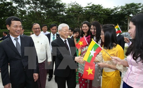 Party chief's visits create new momentum for ties with Indonesia, Myanmar hinh anh 1