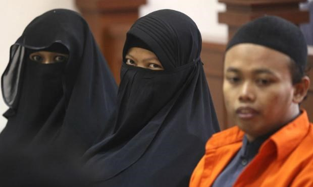 Indonesia: Woman jailed for suicide bombing plot hinh anh 1