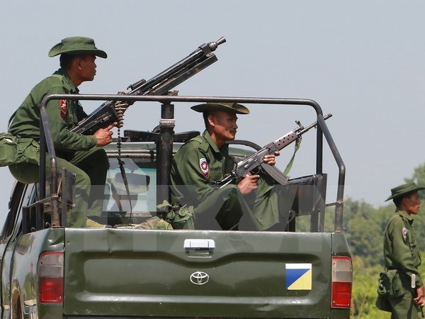 Myanmar: Violence escalates, thousands evacuate from Rakhine state hinh anh 1