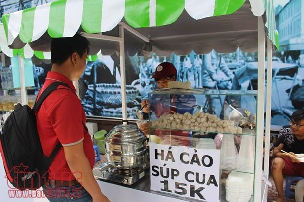 Ho Chi Minh City launches vendors' food areas hinh anh 1
