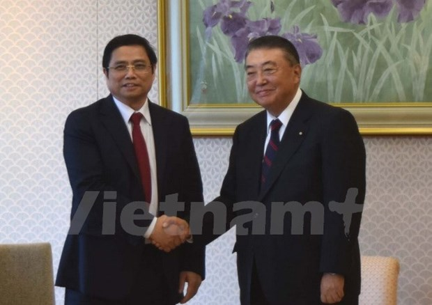 Japanese leaders receive Vietnamese Party official hinh anh 1