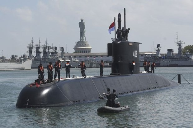 RoK hands over submarine to Indonesian navy hinh anh 1
